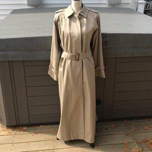 Burberry raincoat with Nova check lining